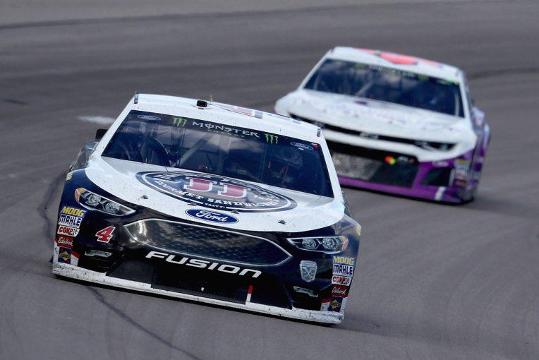 海外レース他 | NASCAR:第3戦勝者のケビン・ハービックに車両違反。罰金とカーチーフ出場停止処分