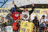 海外レース他 | NASCAR第3戦:フォードのハービックがレースを支配し2連勝。NASCAR通算100勝目を飾る