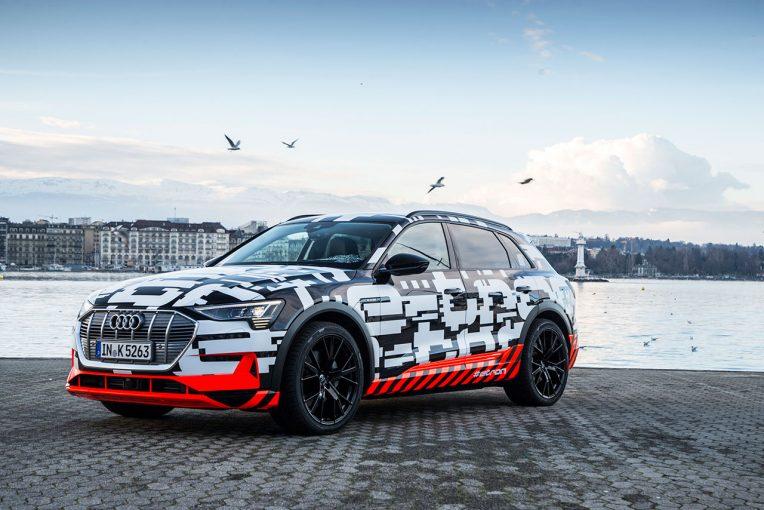 クルマ | アウディ、初の電気自動車『アウディe-tron』プロトタイプ公開。ジュネーブ市内をカモフラ柄で走行