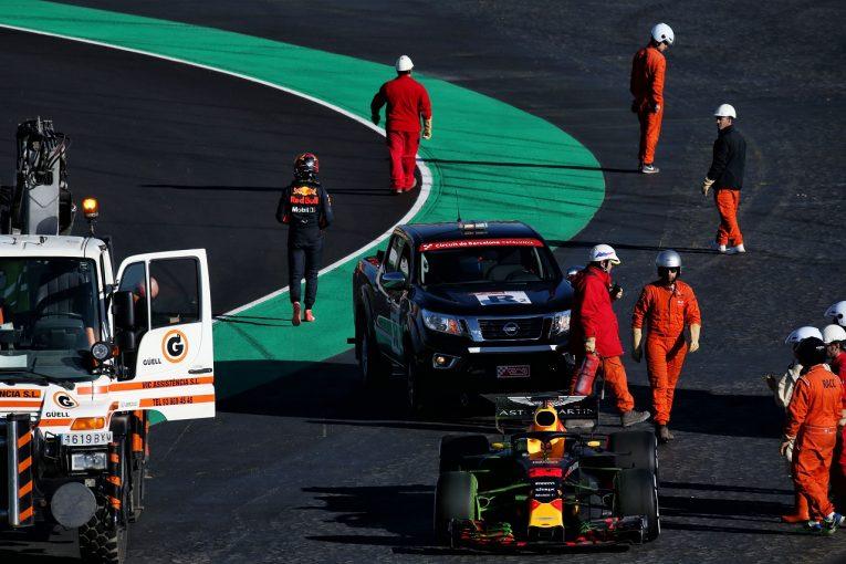 F1 | フェルスタッペン、コース上でストップも前向き。「マシンは間違いなく去年より速い」