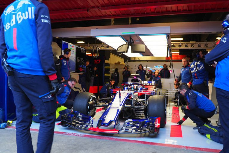 F1   トロロッソ・ホンダF1密着:初日はトラブル発生もポテンシャルの進歩にチームの雰囲気は上々