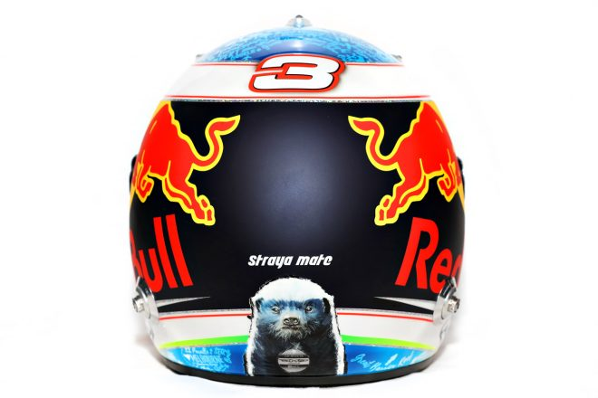 F1 | ダニエル・リカルド(Daniel Ricciardo) 2018年のヘルメット3