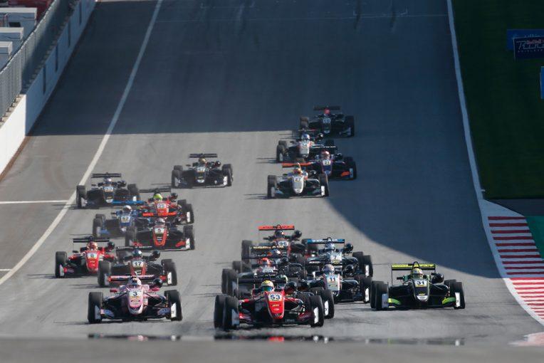 2018年のFIAヨーロピアンF3には24台のエントリーが集まった
