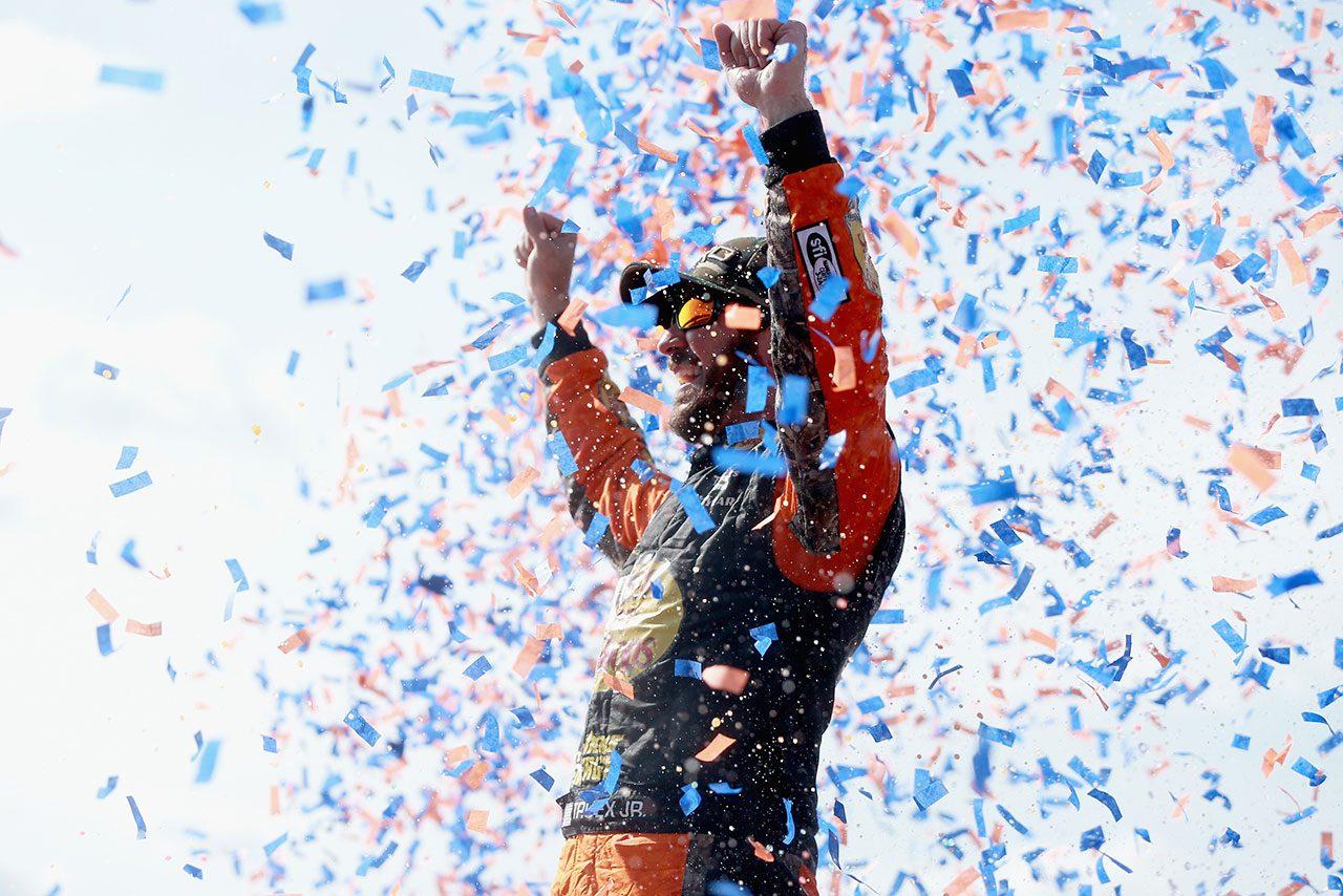 NASCAR:17年王者トゥルーエクスJr.が2018年初優勝。トヨタに今季初勝利もたらす
