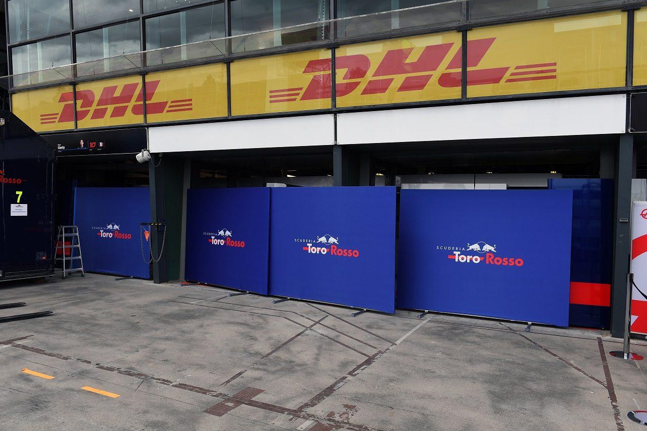 2018年F1第1戦オーストラリアGP火曜 トロロッソ・ホンダガレージ
