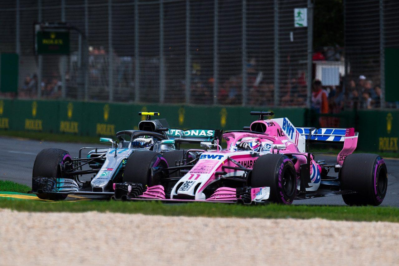 2018年F1第1戦オーストラリアGP バルテリ・ボッタス(メルセデス)とセルジオ・ペレス(フォース・インディア)