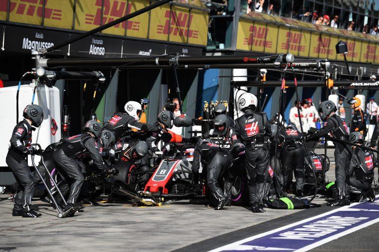 F1 | ハースF1、タイヤ交換ミスの再発防止のため、ピットクルーを配置換え