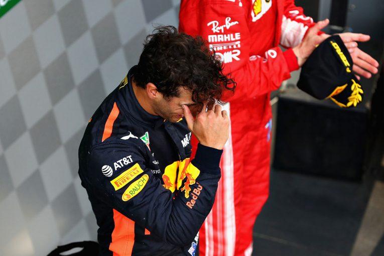 F1 | F1 Topic:中国GPで奇跡の大逆転勝利を収めたリカルドが涙を流した理由