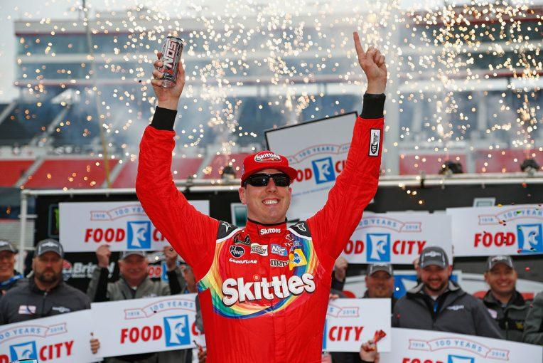 海外レース他 | NASCAR第8戦:降雨で2デー開催のブリストルでブッシュ連勝。トヨタがランキング首位に