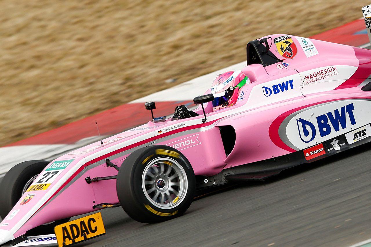 ラルフ・シューマッハーの長男ダービッドがドイツF4にデビュー。初戦で表彰台