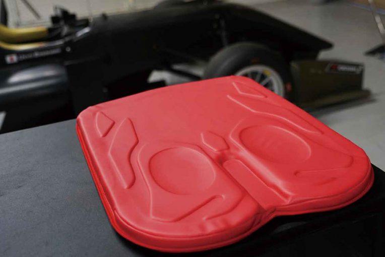 エクスジェルが発表した『アウルActive』は車椅子向けのクッション