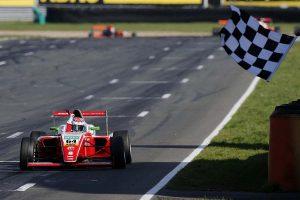 レース3で優勝したオリ・カドウェル(プレマ・セオドール・レーシング)