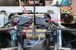 F1 | 【津川哲夫の私的F1メカ】左右非対称のフロントサスペンション。メルセデスW09の仕掛け