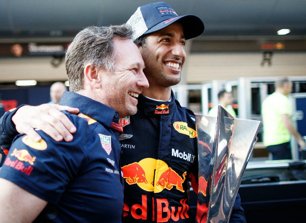 2018年F1第3戦中国GPで優勝したリカルドとレッドブル代表ホーナー