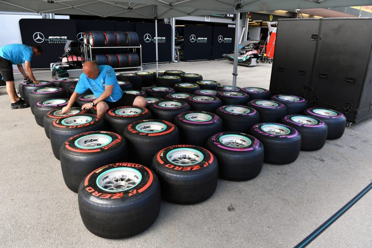 F1 | パット・シモンズがメルセデスF1苦戦の理由を分析。「チームは長年に渡ってタイヤの問題を抱えてきた」