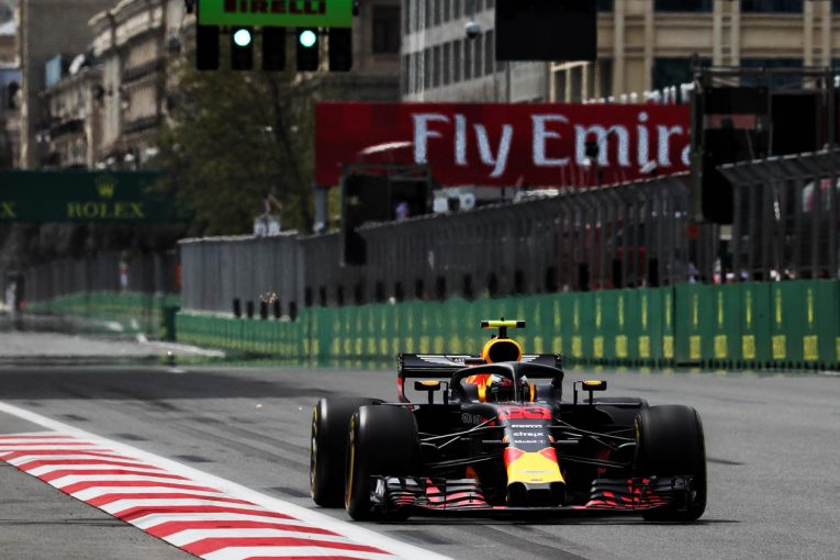 F1 | 【動画】フェルスタッペンがFP1でウォールにクラッシュ