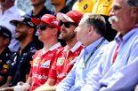 F1 | 2017年F1カナダGPにてドライバーと共に記念撮影に応じるFIA会長 ジャン・トッド