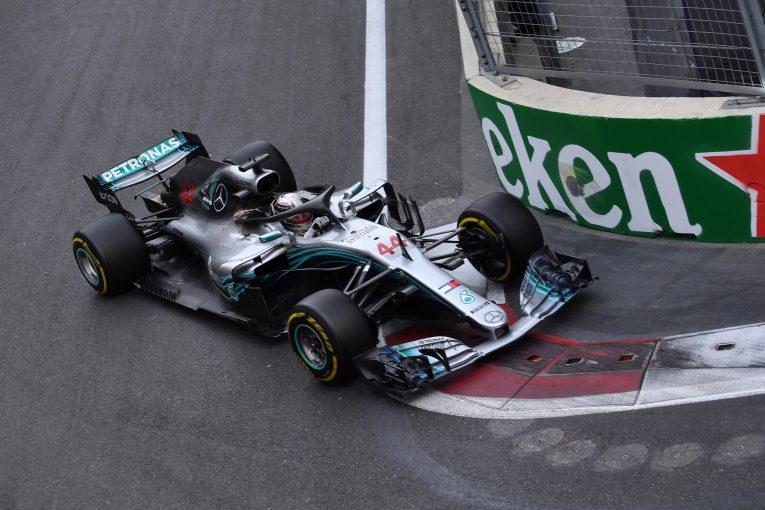 F1 | ハミルトン、F1アゼルバイジャンGPで優勝もマシンは前年型よりも「運転が難しい」と困惑