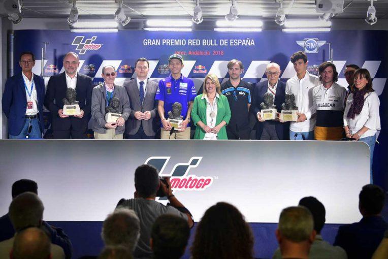 MotoGP   MotoGP:スペインのヘレスがロッシとドルナのエスペレータを表彰
