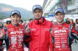 スーパーGT第2戦富士のGT500クラスを制したNISMOの松田次生とロニー・クインタレッリ、鈴木豊監督