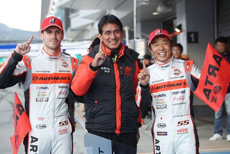 スーパーGT | 高木真一「今日勝てたのはタイヤのおかげ。晴れてくれて楽になった」/GT300優勝会見