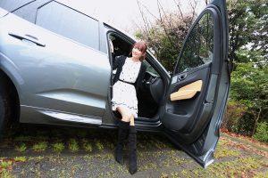 車高が高いイメージのSUVだが、スムーズに車内へ乗り込むことができた。