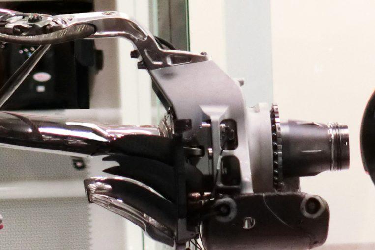 F1 | 【津川哲夫の私的F1メカ】エンジニアリングの常識を越えたマクラーレンMCL33の複雑怪奇なリヤ足回り