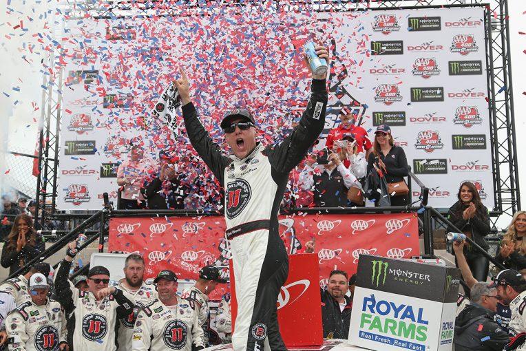海外レース他 | NASCAR第11戦:フォードのハービックが全ステージ制覇の完全勝利でシーズン4勝目