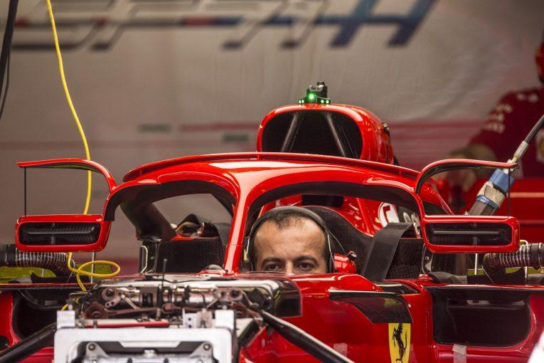 F1   フェラーリF1、ウイングレット付きミラーをハロに装着。安全規則を空力的に活用