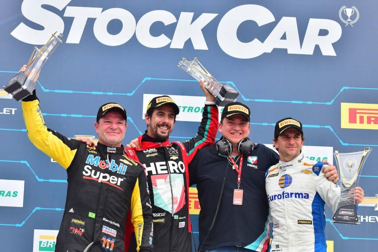 海外レース他   ストックカーブラジルで元F1ドライバーのバリチェロが2位表彰台
