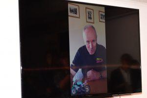 ライダーのイアン・ロッカーも映像でメッセージを送った