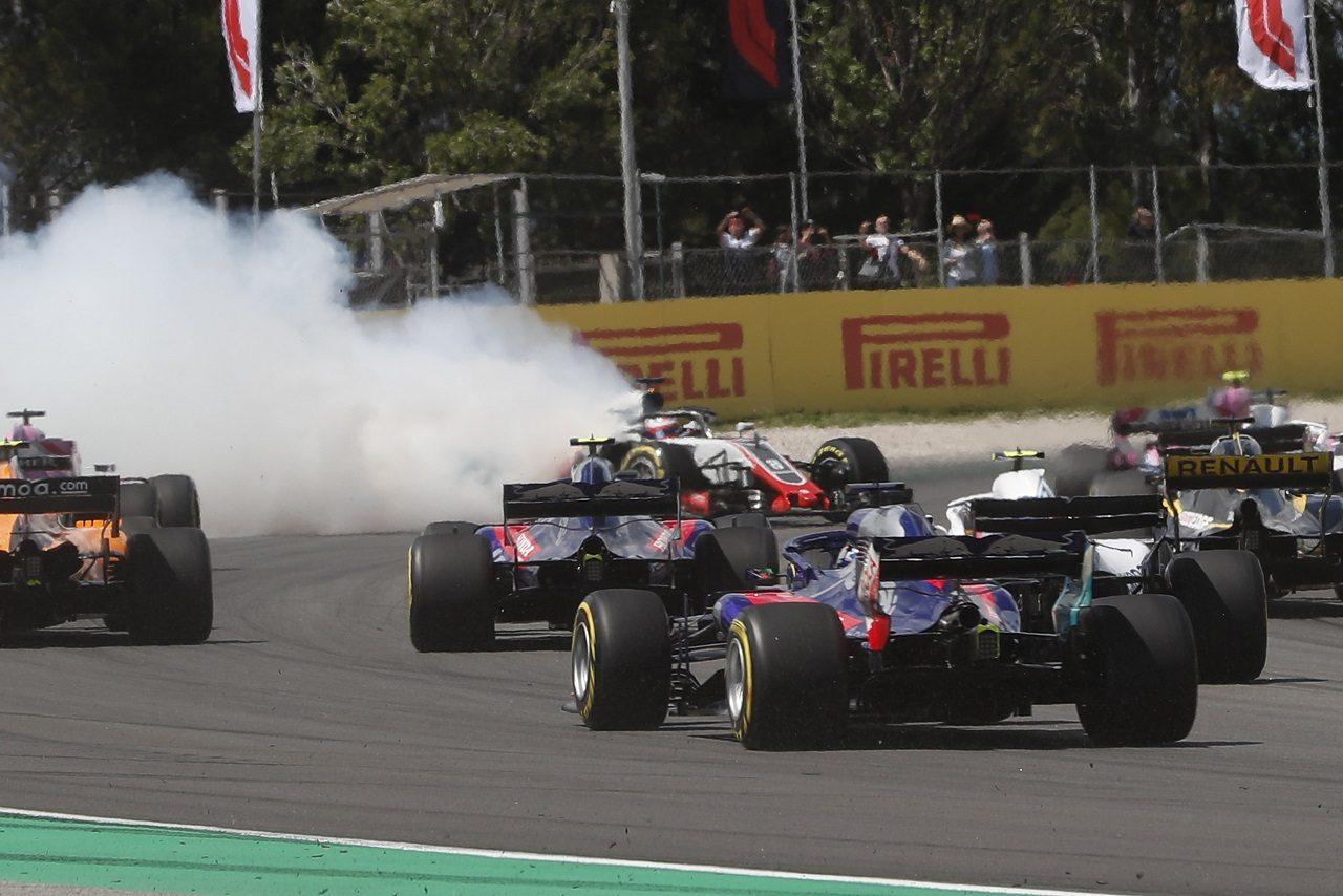 2018年F1第5戦スペインGP ピエール・ガスリー(トロロッソ・ホンダ)、決勝スタート直後にアクシデントに巻き込まれる
