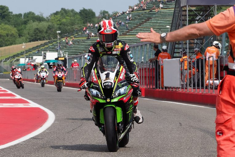 MotoGP | SBK第5戦レース2:カワサキのレイがデイビスとの激闘を制してダブルウイン