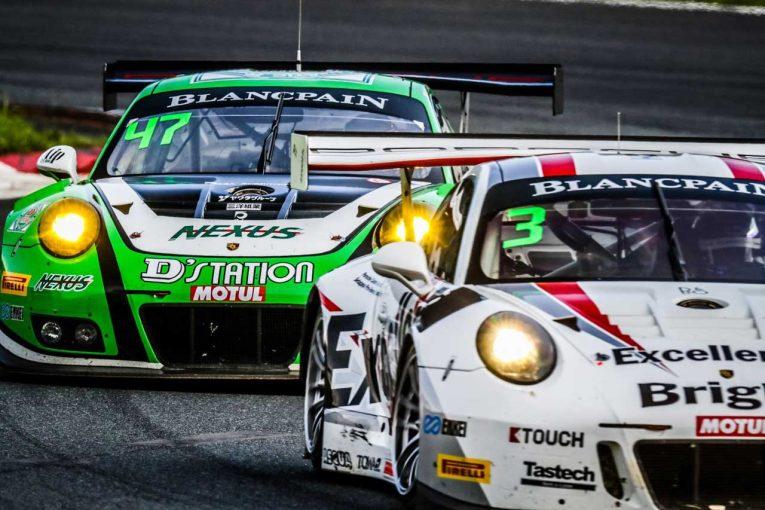 D'Station Racing(左)Porsche Team EBI(右)のポルシェ911 GT3 R