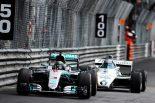 F1 | F1 Topic:ロズベルグ親子がランデブー走行。それぞれのチャンピオンマシンをドライブ