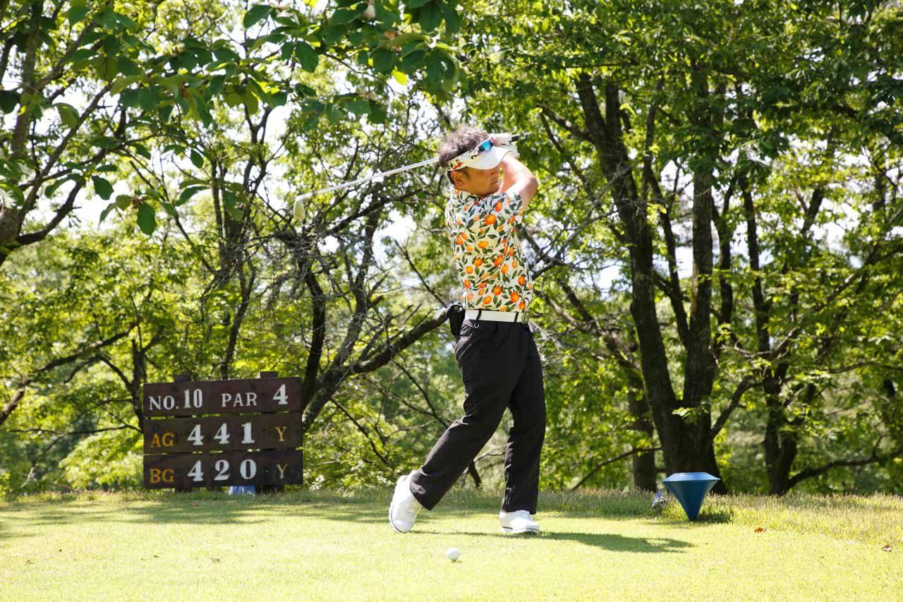 今年も、山路慎一のメモリアルゴルフコンペ開催! 関谷正徳をはじめ多くの関係者が故人を偲ぶ