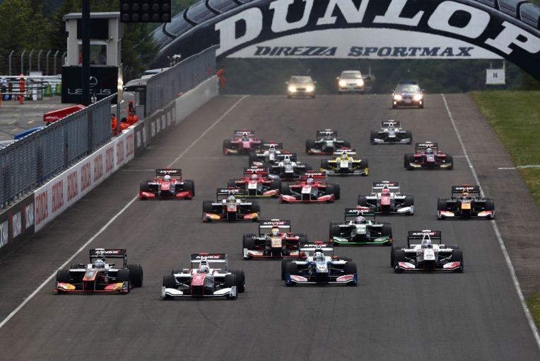 スーパーフォーミュラ | レースの楽しさを体感しよう。6月9~10日、アミューあつぎで『スマイル・キッズ』開催