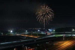 国内レース他 | 富士スピードウェイで打ち上げられた花火