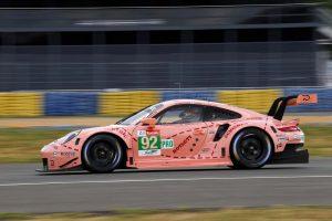"""92号車ポルシェは""""Pink Pig""""のデザインが再現された。"""