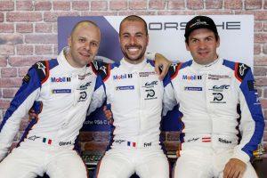 91号車ポルシェを駆るジャンマリア・ブルーニ、フレデリック・マコウィッキ、リヒャルト・リエツ