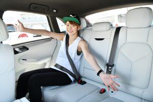 クルマ | コンパクトSUVではあるが、後部座席は意外と広め
