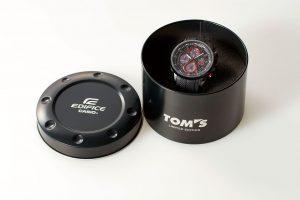 インフォメーション | 黒と赤の衝撃。EDIFICE×TOM'Sコラボモデル登場
