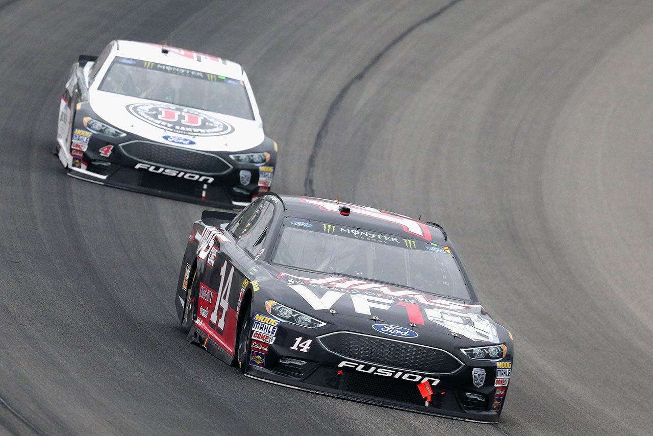 NASCAR第15戦:雨天短縮の決勝レースはフォードが制圧。トヨタのブッシュが最後尾から4位入賞