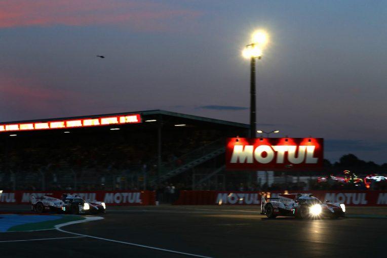 ル・マン/WEC | ル・マン24時間:一貴&可夢偉が直接対決。遅れていた8号車トヨタが首位奪取
