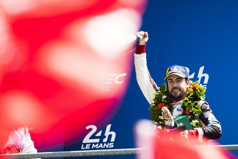 F1 | アロンソ、ル・マンで「生涯で最も重要な勝利」を挙げ、トリプルクラウンに一歩前進。F1での去就に注目集まる