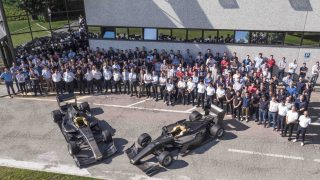 イタリアのダラーラ社でラインオフされたSF19のテスト車両