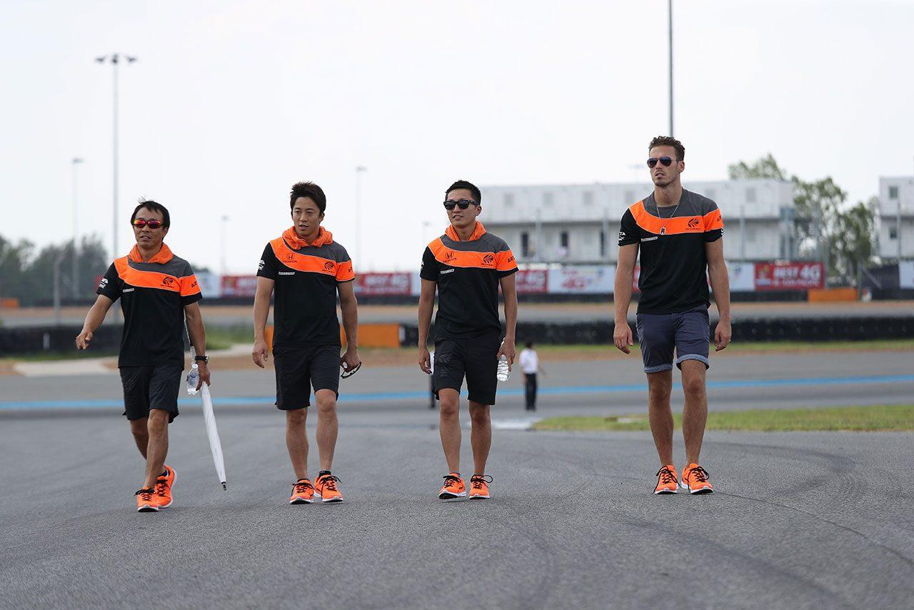 2018スーパーGT第4戦タイ 搬入日の様子