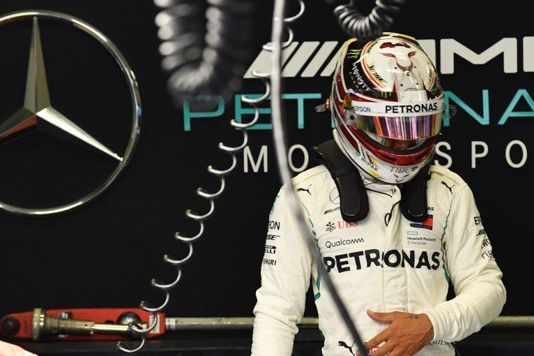 F1   ハミルトン「アップグレードでマシンは向上したが、問題点もある」:F1オーストリアGP金曜