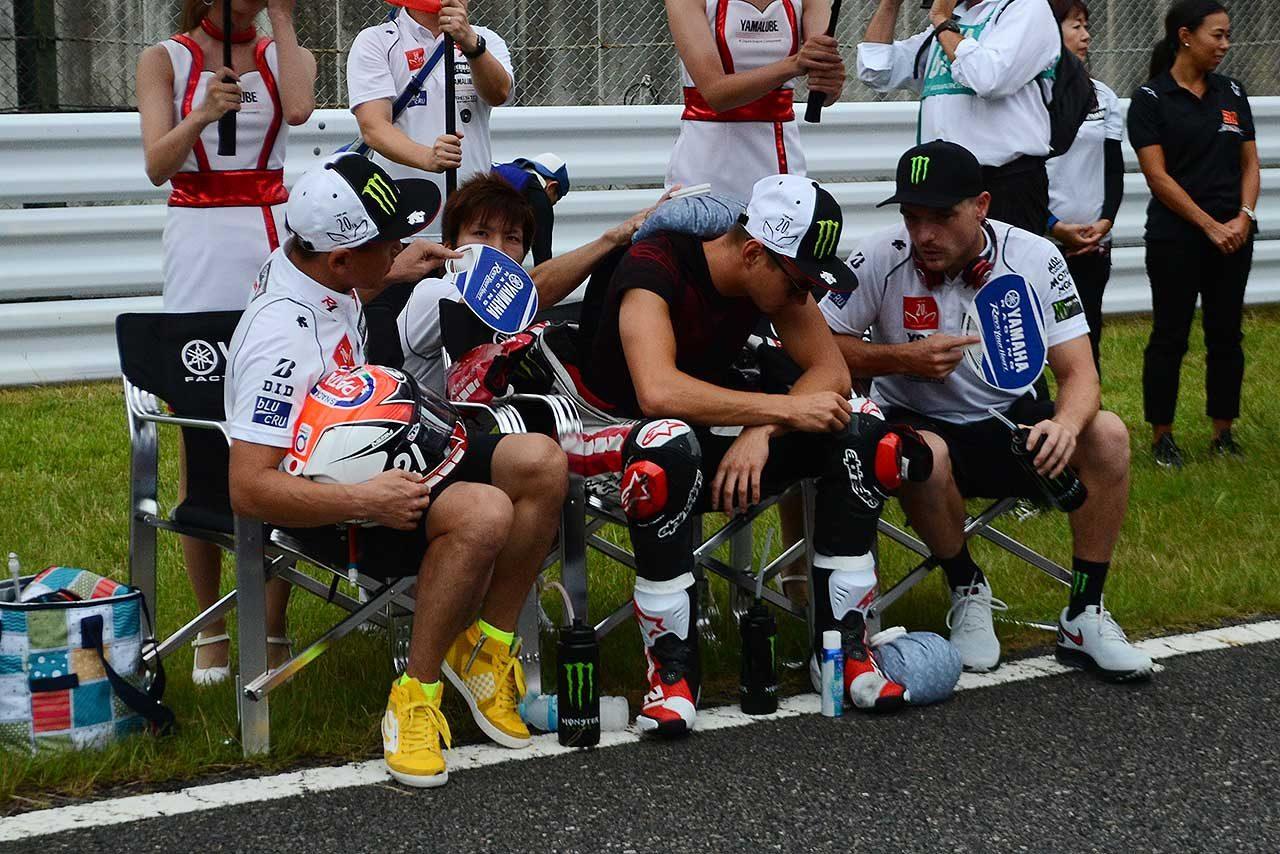 ヤマハの鈴鹿8耐4連覇を支えたエース中須賀。出走しない決勝レースで見せた存在感
