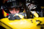 F1 | 「レッドブルのドライバー決定をいつまでも待つつもりはない」ルノーF1、サインツ以外の選択肢も検討